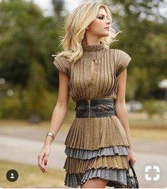 wide belt pleated dress